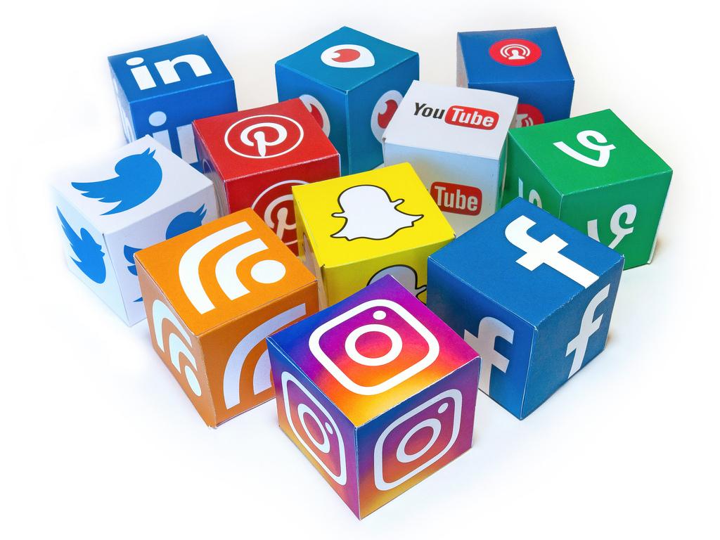Social_Media_2